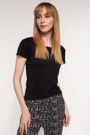 Черная базовая футболка с коротким рукавом