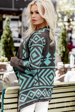 Кардиган Женский кардиган с контрастным орнаментом, теплый, с длинным рукавом с эластичным манжетом и асимметричными лацканами.