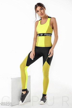 Модный спортивный костюм для зала