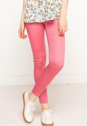 Розовые брюки slim fit