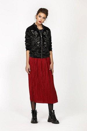 Юбка Юбка женская полуприлегающего силуэта из плиссированной ткани, на широкой резинке. Длина юбки по среднему шву спинки - 75,0 см.