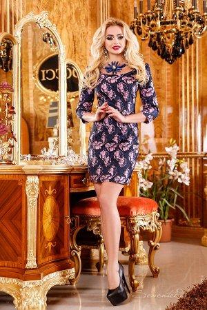 Эффектное платье из жаекарда