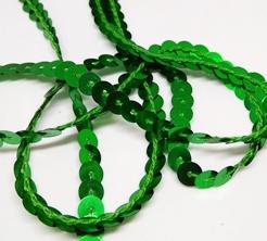 Пайетки на нитке. Зеленый.