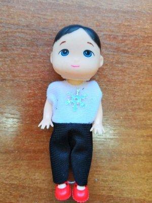 Кукла маленькая (мальчик) в комбинезоне со снежинкой