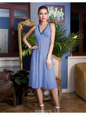 Платье Длинное пляжное платье полуприлегающего силуэта выполненая из эластичной сетки. Модель с подрезом под грудью и вытачкой на чашке лифа. Окантовка из однотонной сетки подчеркивает V-образный выре