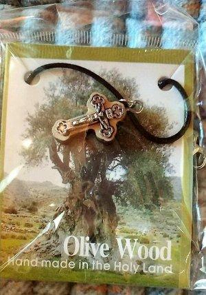 Крестик резной оливковый+веревочка