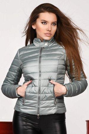 Очень качественная куртка. На теплую весну-осень