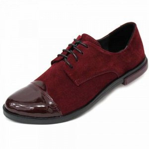 Бордовые туфли.