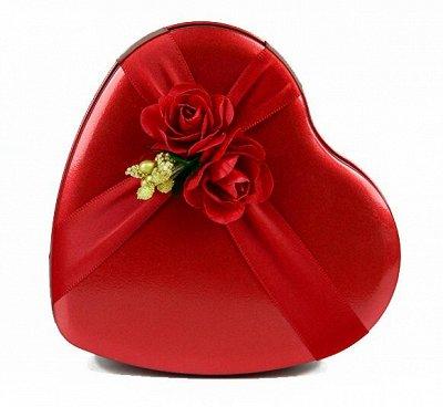 Женские штучки * Носочки, очень много детских на сейчас — Подарочная коробочка * Сердце красное * С любовью