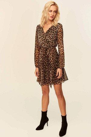 Платье с модным  леопардом