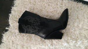 Обувь Шикарные! Хит этой весны! На стопу 24см отлично !