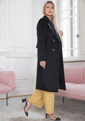 Пальто Цвет СИНИЙ (очень красивый насыщенный темный оттенок, внутри фото).  Рост:170 см, Стиль:Микроворс 70% шерсть;30% другие волокна. Классическое двубортное пальто. Воротник английский с широкими