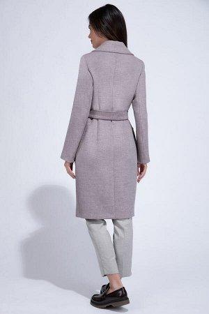 Пальто Цвет мята, Рост:170 см, Твид - 70% шерсть;30% полиэстер; Пальто демисезонное в классическом стиле из микроволновой ткани. Удлиненный полуприталенный силуэт, декорированный вытачками в районе т