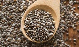 Семена чиа Семена чиа считают суперфудом, который может помочь очиститься от токсинов, нормализовать работу кишечника, похудеть и насытить организм полезными веществами. Диетологи отмечают, что регуля