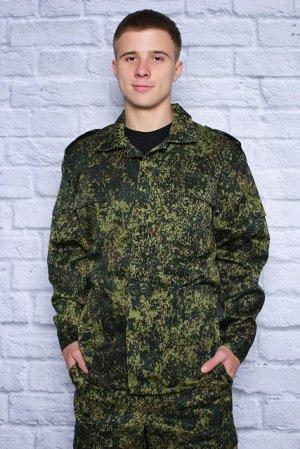 Костюм Костюм состоит из куртки на супатной (потайной) застежки и брюк на резинке.Куртка со стояче-отложным воротником, внутреней кулисой, на спинке две больших складки вдоль спины.На полочке два накл