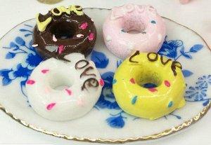 Пончик Цена за 1 шт. Размер: диаметр 1,2 см, толщина 0,5 см.