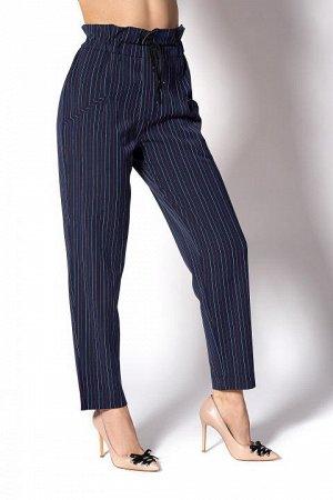 Модные брюки в полоску