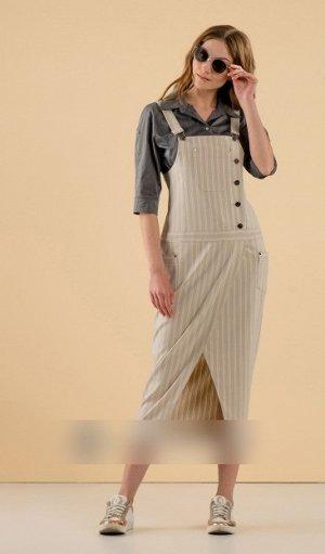 Сарафан Сарафан: хлопок 95%, спандэкс 5% Рост: 170 см. Р-043 Сарафан женский из мягкой костюмной ткани полуприлегающего силуэта, отрезной ниже линии талии. Вырез горловины- глубокий, квадратной формы.