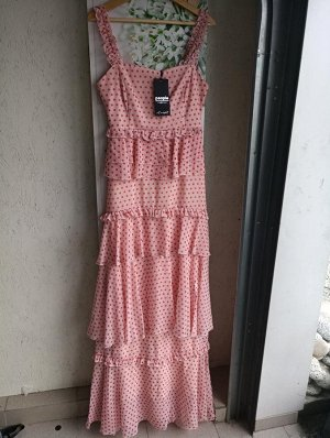 Платье 100% полиэстер. Хороший пошив, платье на подкладе. ПОГ-40,5 см ПОТ-37 см На высокий рост!