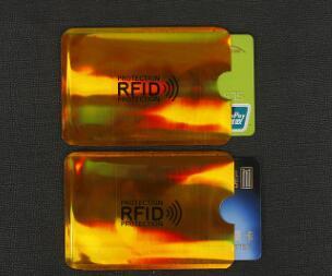 Детская одежда 2и7/ Костюмы, спортивные штаны/В наличии — Защитный чехол для банковских карт  — Аксессуары для электроники