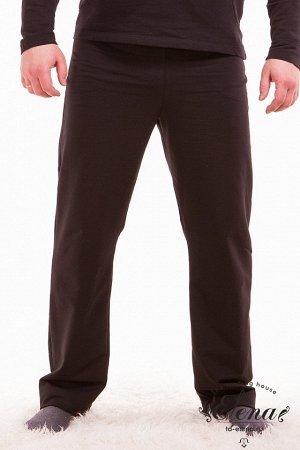 Брюки Брюки мужские из хлопковой ткани, с двумя карманами по бокам и поясом на резинке. Покрой брюк прямой. Размерный ряд: 44-62. Состав Хлопок 100% Артикул 11617 Базовая единица шт