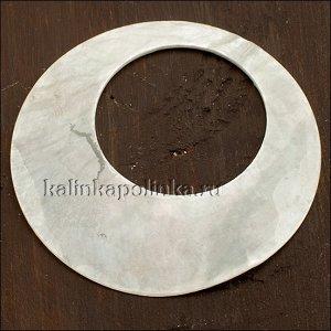 Перламутровая основа для декупажа, цвет естественный белый, р-р 55мм, толщина 1мм, диаметр отв. 30.5мм.
