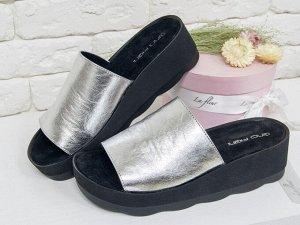 Кожаные Шлепки серебряного цвета на обновленной подошве черного цвета, С-560