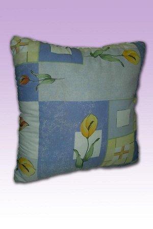 Подушка Подушка с наполнением из полого силиконизированного волокна. Отделочный элемент - вшивной кант. Упаковка - пакет. Ткань: Полиэстер Артикул: - Размер: 70х70