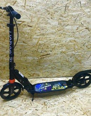 Самокат Самокат Urban Scooter SR 2-018 с ручным тормозом. Особенности самоката Scooter Urban SR 2-018:  Складная конструкция Ручной тормоз Ножной тормоз для заднего колеса Регулируемый руль Резиновые