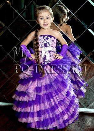 Платье Нарядное пышное платьена рост 98-110см. Длина платья от подмышки около 80см, ширина регулируется утяжкой на корсете.