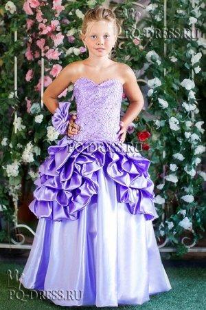 Платье Нарядное пышное платье  На рост 122-128см. Длина платья от подмышки около 90см На рост 128-140см. Длина платья от подмышки около 100см Ширина регулируется утяжкой на корсете.