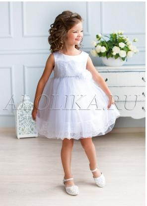 Платье Ткань: Атлас, сетка Состав: Верх 100% полиэстер, подклад 100% хлопок Описание: Восхитительное нарядное платье для маленьких принцесс. Модель декорирована изумительным кружевом по лифу и юбке. П