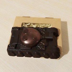 Танк Вес 95+-5гр. Размер 6*9*2,5см. Упаковано в коробку!