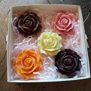 Мини розы 3 цветка. Вес 70 +-3гр.  Упаковано в коробку!
