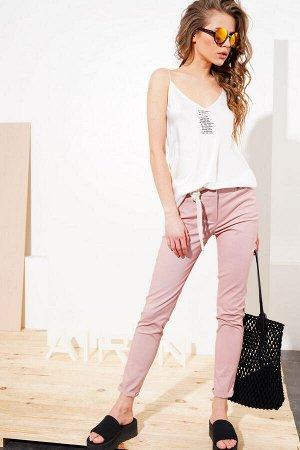 Розовые летние брюки