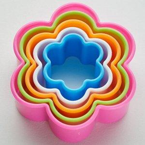 """Набор пластиковых форм для печенья """"Цветочки"""" 5 размеров BE-4301P/5"""