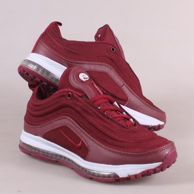 Спортивная и повседневная обувь из эко-кожи и текстиля.