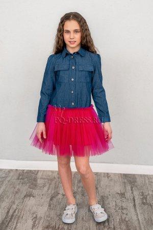 Платье Платье из хлопковой джинсовой ткани, низ из фатина, подклад юбки - атлас в тон к фатину. Застегивается спереди на пуговицы, рукава-манжеты на пуговицах.  ***  На фото девочка ростом около 140см