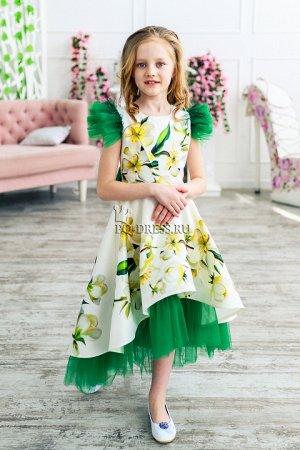 Платье Нарядное платье из плотного атласа с прокатным рисунком по всей длине. Пышный многослойный подъюбник из атласа и стеки. Подклад верха-хлопок. ***  На фото девочка ростом около 134см, плат