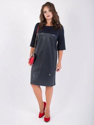 Платья Стильноеплатье полуприлегающего силуэтавыполнено из комбинированных тканей: экокожи и трикотажа. Круглая горловина с внешней обтачкой. Втачные рукава длиной 3/4 , кокетка и спинка платья выпо