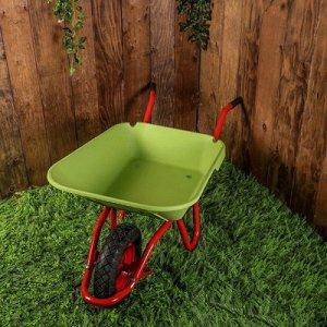 Тачка садовая одноколесная 95л/150кг, пневмоколесо, корыто пластик, зеленый