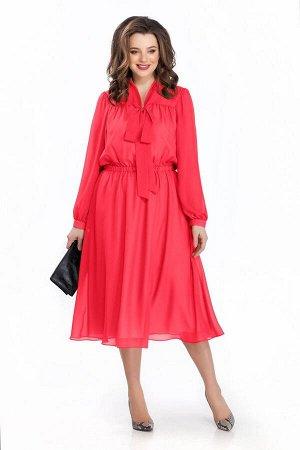 Платье Платье TEZA 144 малина  Рост: 164 см.  Платье приталенного силуэта из прозрачной ткани. Платье отрезное по линии талии. Верх переда и спинки на прямоугольной кокетке со сборкой. Низ рукава со