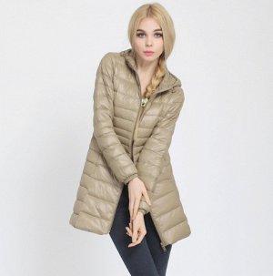 Женская удлиненная ультралегкая куртка  С КАПЮШОНОМ, цвет шампанское
