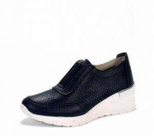 Отличного качества туфли на танкетке