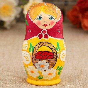 Матрёшка «Корзинка», красный платок, 5 кукольная, 10 см