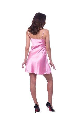 Сорочка Сорочка на тонких регулируемых бретелях из шелка-сатина. V-образный вырез декорирован планкой, либо кружевом на планке с драпировкой по центру лифа