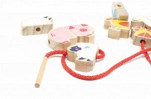Бусы Ферма Игра-шнуровка состоит из 5 животных, разделенных на две половинки, каждая деталь от 35 мм и толщина 15 мм. Таким образом, целая фигурка собирается как пазл из двух частей, так мы немного ус