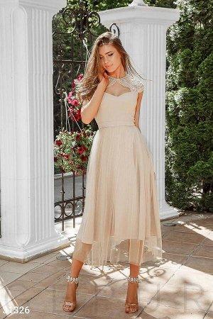 Приталенное вечернее платье