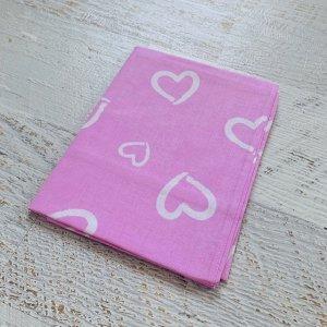 Простынь в детскую кроватку Розовая, белые сердца