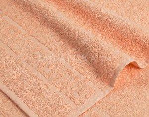 Персиковое махровое полотенце